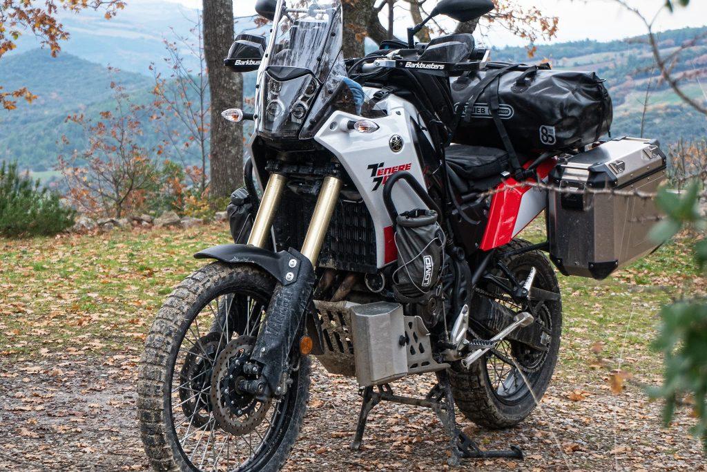 Reisemotorrad mit Sitzkissen.