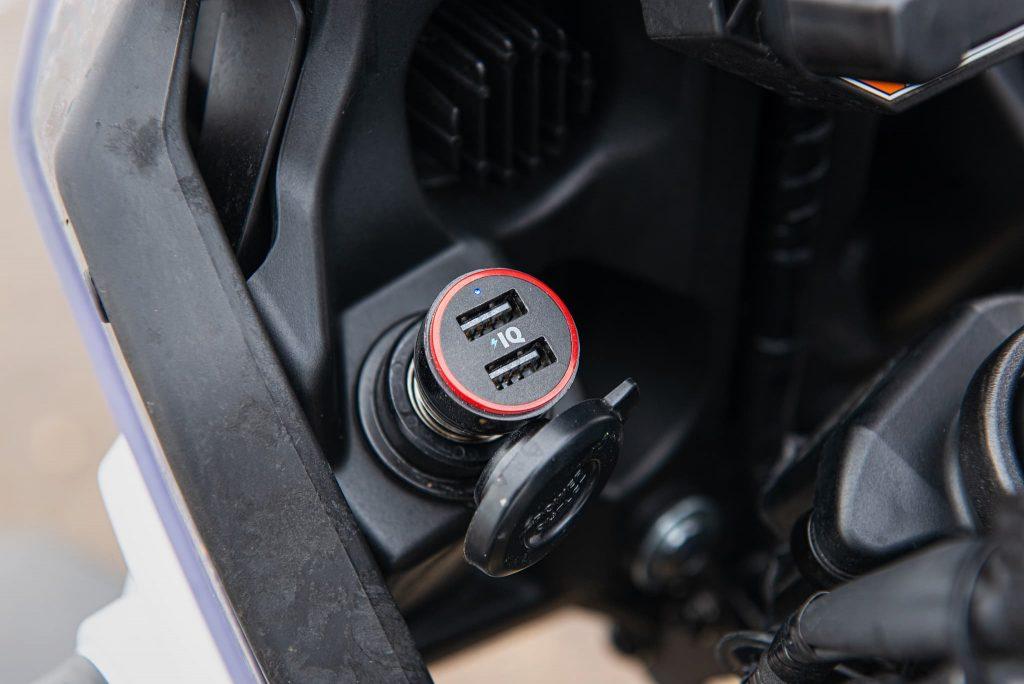 USB Ladeadapter am Motorrad.