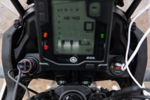 Read more about the article Motorrad USB Steckdose – Varianten und Installation