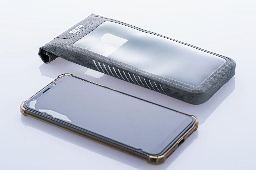 Xiaomi Handy und SP Connect Handytasche.