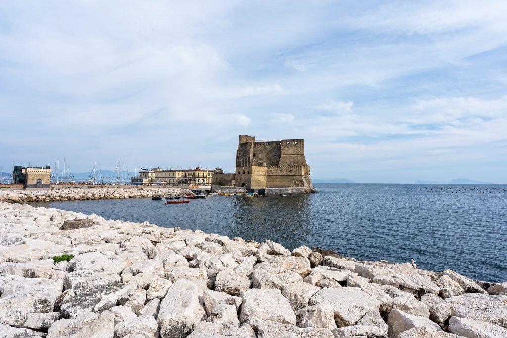 Eierfestung Castel dell Ovo.