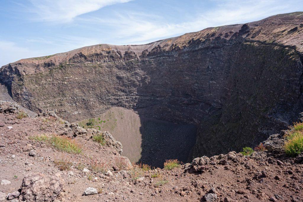 Blick in den Krater des Vesuv, Juli 2021